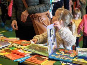 kinderboekenmarkt op Brede School Het Zand