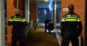 Gewapende-overval-op-cafetaria-winkelcentrum-Parkwijk2-foto michiel van beers