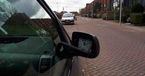 Vandaal-vernielt-meerdere-autospiegels-in-Vleuterweide