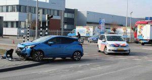 Aanrijding-tussen-twee-auto's-op-het-Strijkviertel-foto-112mediautrecht