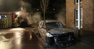 BMW-in-vlammen-op-in-Hoge-Weide-foto_112mediautrecht