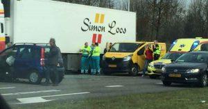 Drie-auto's-betrokken-bij-ongeluk-op-Haarrijnse-Rading_foto-martijn-sierhuis