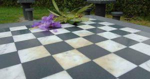Barbecue-in-plaats-van-een-potje-schaak