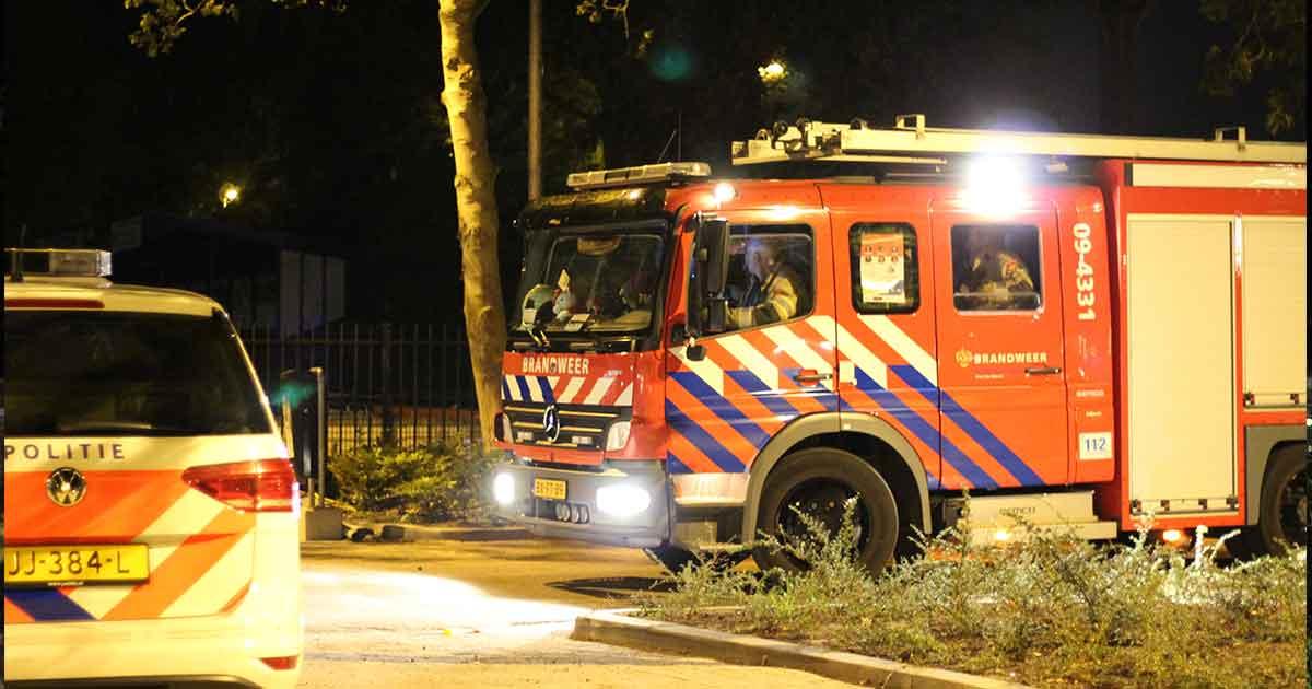 Brandende-kliko-verwoest-kunstgrasveld-van-voetbalvereniging-PVCV_foto_112MediaUtrecht