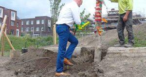 Wethouder_Everhardt_opent_bouw_van_Natuurspeeltuin_De_Hoef-Foto--Elly-Stoffels