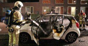 Auto-volledig-uitgebrand-in-Leidsche-Rijn2_foto_112mediautrecht