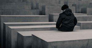 alleen_uitgerangeerd_vergeten_triest__verdrietig_foto_Moritz_Schumacher