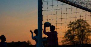 Sport en voetbal ontspanning zon