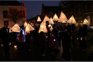 Sint MaartenLampion maken @ Professor Loep & het Kunstlaboratorium | | |