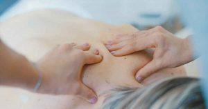 rugpijn_massage_schouders_pijn_foto_Toa_Heftiba