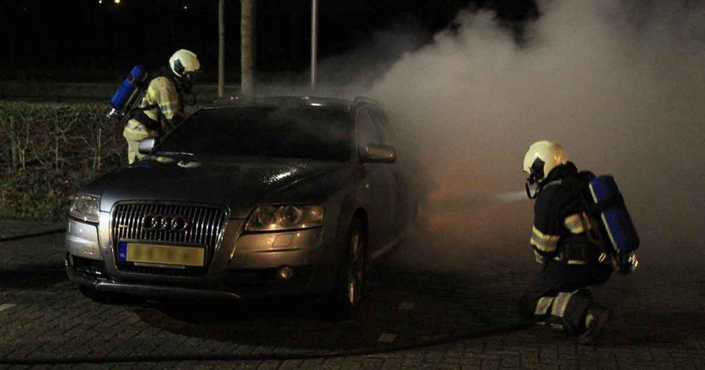 Audi-A6-in-brand-tijdens-jaarwisseling2_foto_112mediautrecht