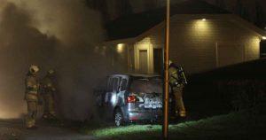 Autobrand-volledig-in-vlammen-op-in-Vleuten2-foto_js_multimedia