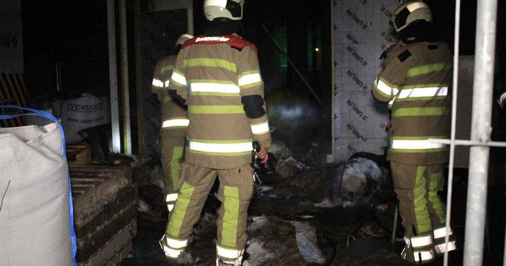 Brandstichting-in-huis-in-aanbouw-aan-Burgemeester-Middelweerdbaan2_foto_112mediautrecht