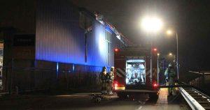 Grote-brand-in-dak-van-aluminium-verwerkingsbedrijf_foto_112mediautrecht