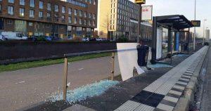 Vandalen-aangehouden-voor-het-vernielen-van-auto's-en-bushokjes_foto_politie