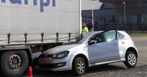 Automobilist-botst-tegen-stilstaande-vrachtwagen2_foto_112mediautrecht
