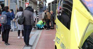 Aanrijding-tussen-maaltijdbezorger-op-fiets-en-lijnbus2_foto_112mediautrecht