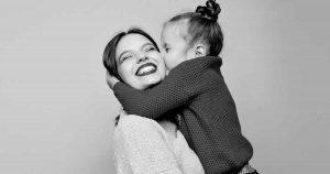 moederdag_vrouw_kind