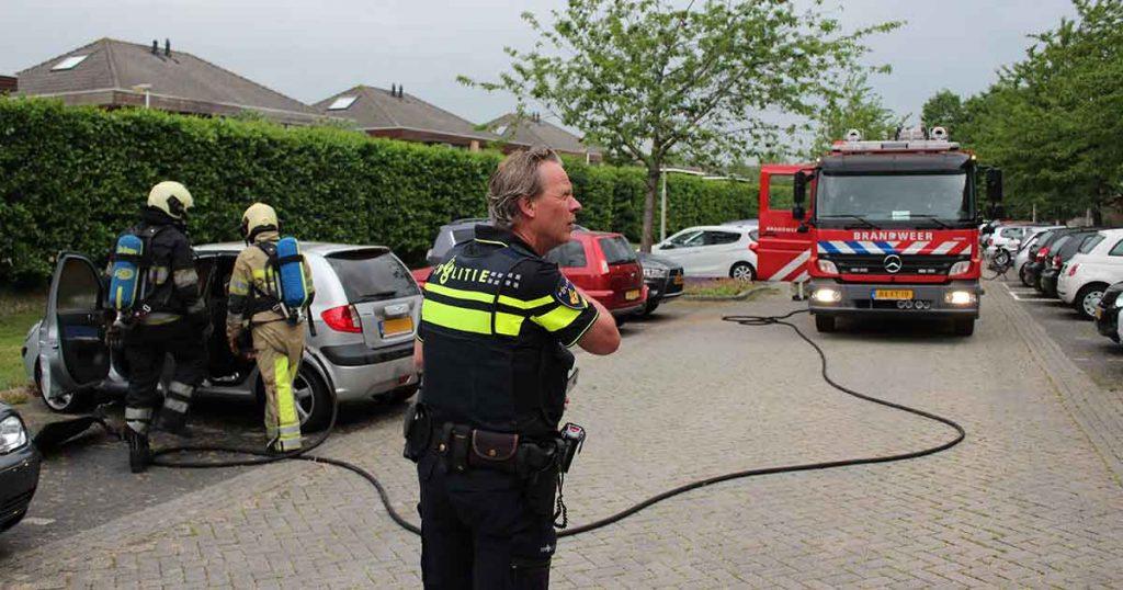 Gestolen-auto-in-brand-in-woonwijk-Vleuten1