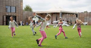 kinderen_dansen_plezier