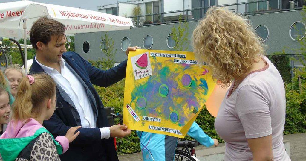 Rolstoeldraaimolen-officieel-in-gebruik-genomen_foto_hp_van_rietschoten
