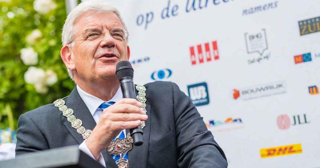 Utrechtse-Haringparty_burgemeester