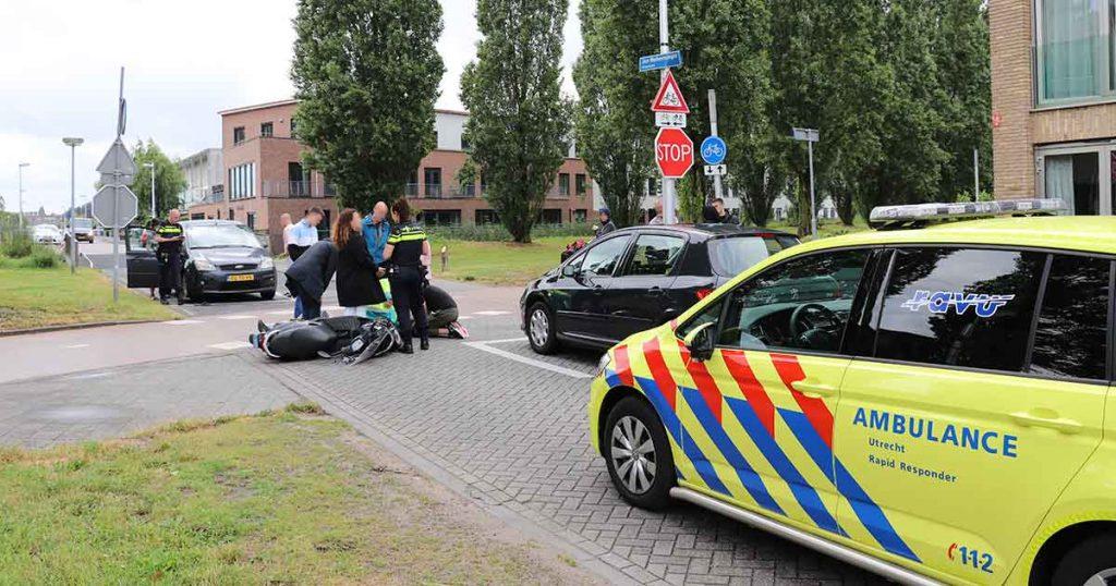 Scooterrijder-aangereden-door-auto-in-Leidsche-Rijn_foto_112mediautrecht