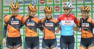 bene_ladies_Team-met-Amy-Pieters-die-derde-werd_foto_hp_van_rietschoten
