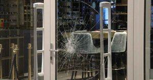 Poging tot inbraak bij opticien bij winkelcentrum Leidsche Rijn Centrum | Foto: 112MediaUtrecht