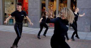 Flashmob_cosmo_hairstyling_leidsche_rijn_centrum