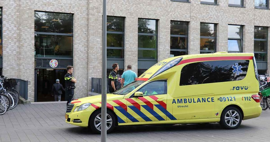Steekincident-op-Amadeus-Lyceum-school-in-Vleuterweide2_foto_112mediautrecht