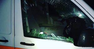 Ingeslagen auto raam