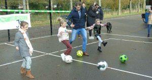 voetbalmuur_Officiele-aftrap-is-gegeven_foto_hp_van_rietschoten_1