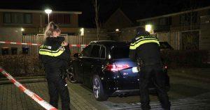 Auto-zwaar-beschadigd-door-vuurwerkbom-in-Leidsche-Rijn_3_foto_112mediautrecht