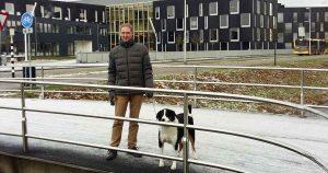 Hans Peter van Rietschoten met zijn hond Hummer