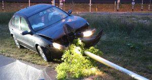 Auto raakt van de weg en ramt lantaarnpaal in Leidsche Rijn_3 _foto_112mediautrecht