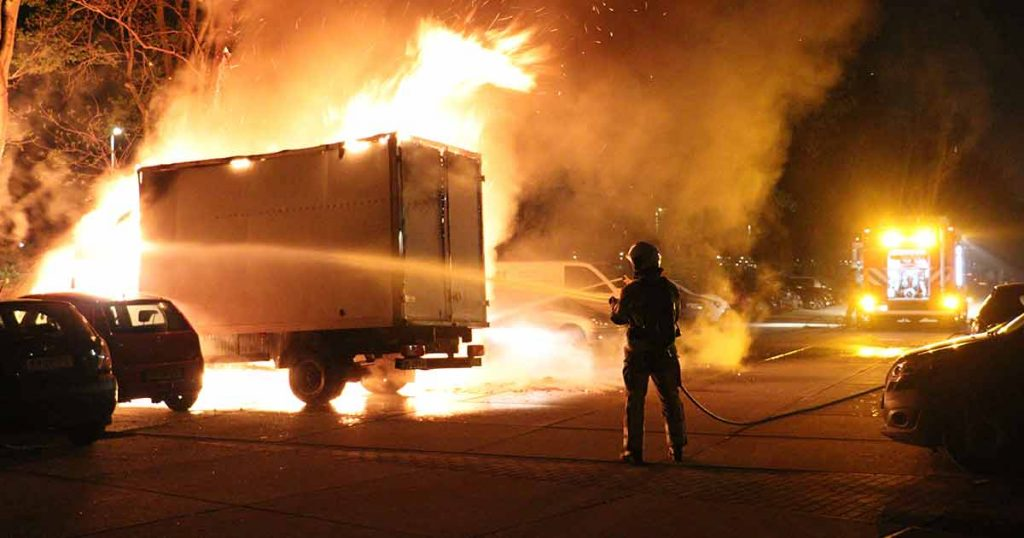 Twee autos en bakwagen verwoest door vermoedelijke brandstichting in Leidsche Rijn_1_foto_112mediautrecht