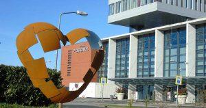 St. Antonius ziekenhuis   kunstwerk Samen vanuit ons hart aangeboden door lokel bedrijven in leidsche rijn_foto_hp_van_rietschoten