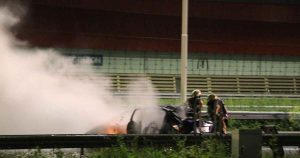 Auto vliegt in brand na crash op de A2 bij Leidsche Rijn_1_foto_112mediautrecht