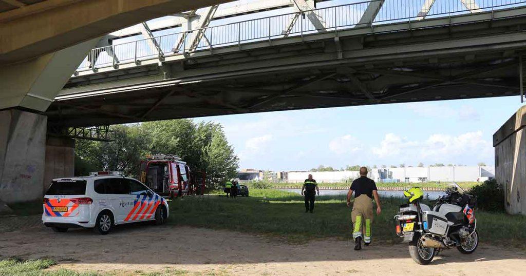 persoon te water in Amsterdam-Rijnkanaal_6_foto_112mediautrecht