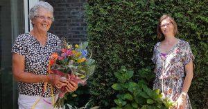 Maria Bartels (links)neemt afscheid van Annemarie Murk van WIL | Foto: Irene Franssen