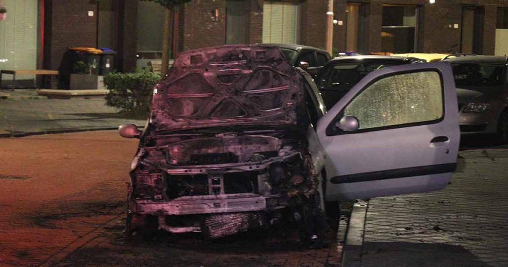 Auto zwaar beschadigd door brand in Leidsche Rijn_4_foto_112mediautrecht
