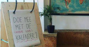 Global Goals reizen_grote scheurkalender reist door de stad