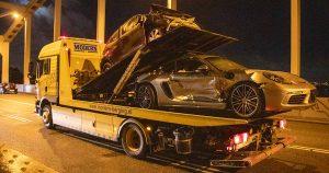 Porsche raakt in de slip op de Meernbrug en ramt tegemoetkomende auto_2_foto_112mediautrecht