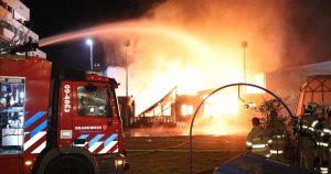 Grote brand verwoest kantoren en toneel vereniging in Leidsche Rijn Centrum_1_foto_112mediautrecht