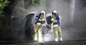 Auto uitgebrand bij begraafplaats in IJsselstein_1_foto_112mediautrecht