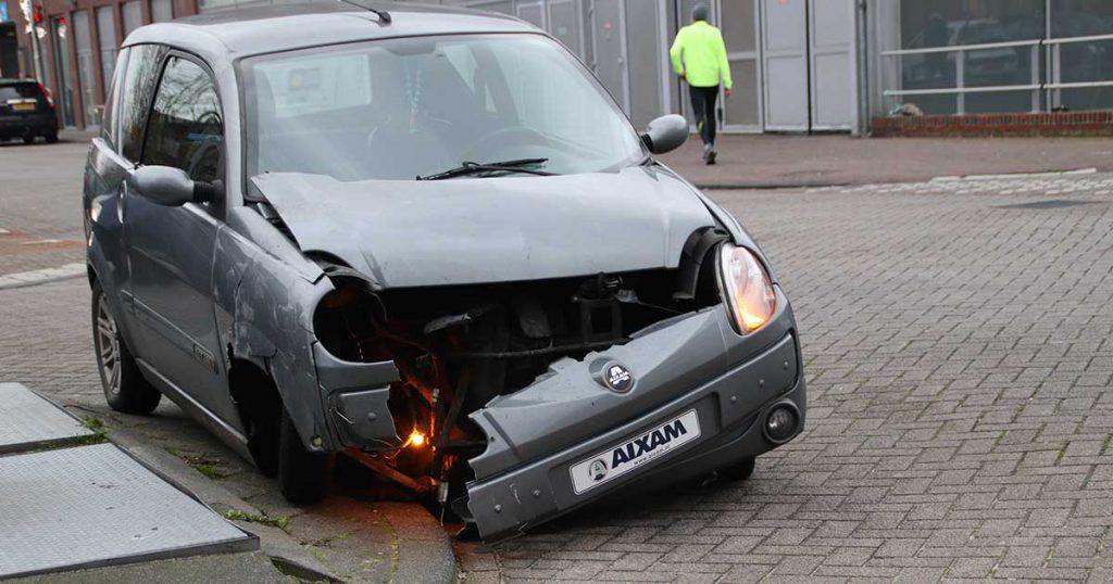 Auto en brommobiel botsen in Leidsche Rijn_5_foto_112mediautrecht