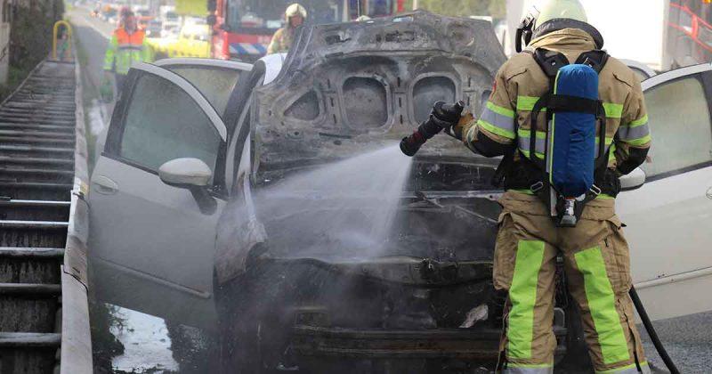 Auto vliegt in brand op de A12 bij De Meern_foto_112mediautrecht