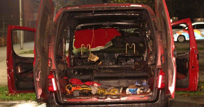 Autobrand-in-Vlinderbuurt-Parkwijk-vermoedelijk-brandstichting_1_foto_112mediautrecht