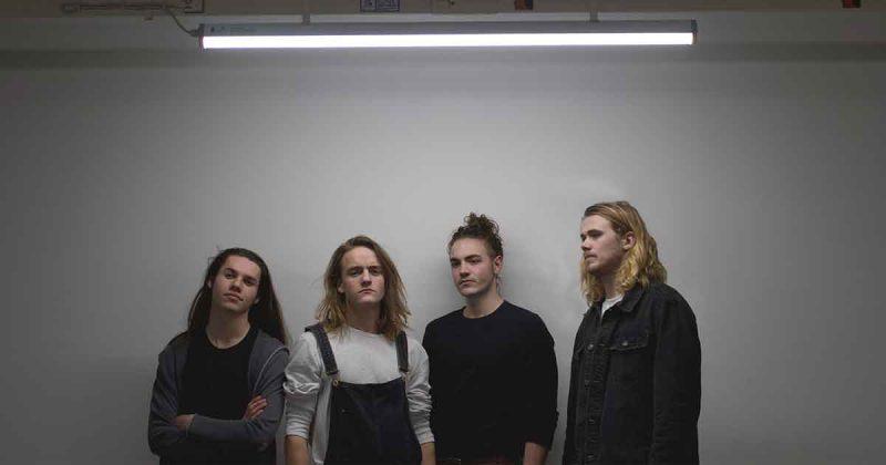 Band-Reaching-North